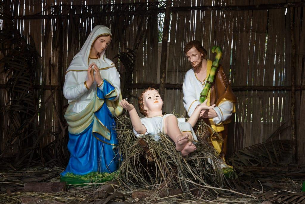 Gudstjeneste juleaften. Hør juleevangeliet med Josef og Maria og det nyfødte barn Jesus
